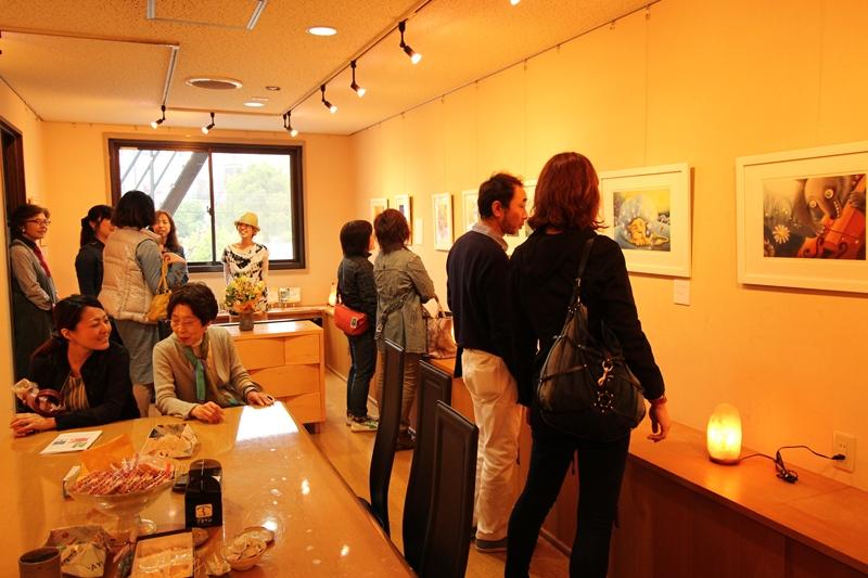 明日香 色のね パステル画 個展 展覧会 絵 イラスト 絵本 コンバンワの月