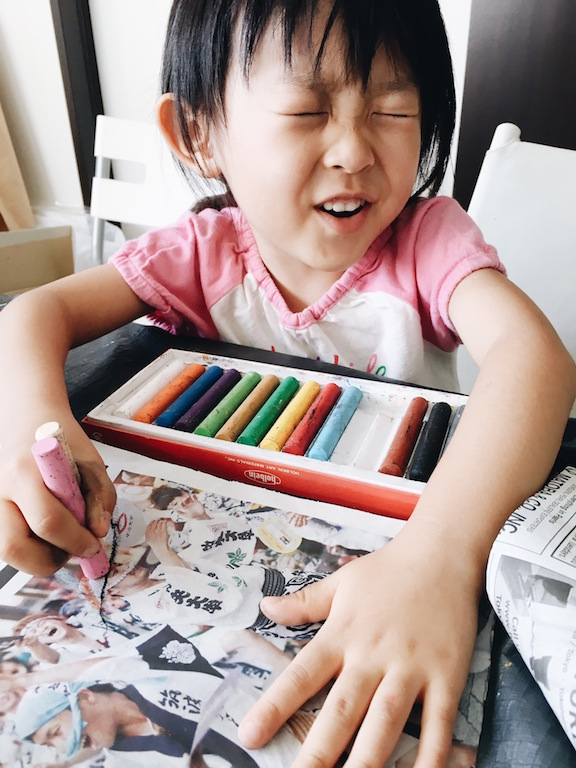 絵画造形教室 こども絵画教室 おえかき教室 くずは 楠葉 樟葉 枚方 八幡 大阪 関西 こどもワークショップ こどもアート 造形教室 いろのね ironone 色のね 沖明日香 新聞紙アート 工作