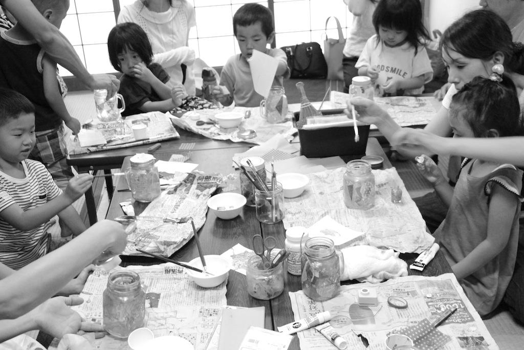 ランタン 食と暮らしのマーケット ルポデミディ 絵画造形教室 こども絵画教室 おえかき教室 くずは 楠葉 樟葉 枚方 大阪 関西 こどもワークショップ こどもアート 造形教室 いろのね ironone 色のね 工作