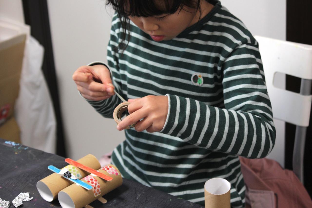 絵画造形教室 大阪 枚方 絵画教室 おえかき教室 こどもワークショップ こどもアート 造形教室 いろのね ironone 色のね 沖明日香 くずは 楠葉 樟葉 八幡 絵の具 工作 関西