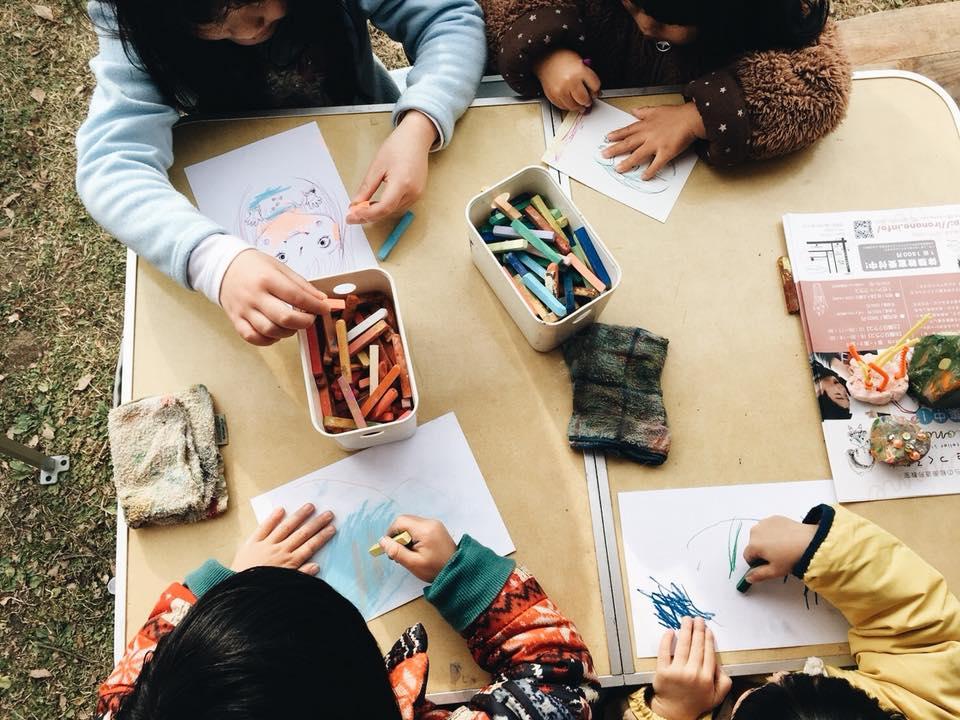かたのカンヴァス 私市植物園 絵画造形教室 大阪 枚方 絵画教室 おえかき教室 こどもワークショップ こどもアート 造形教室 いろのね ironone 色のね 沖明日香 くずは 楠葉 樟葉 八幡 絵の具 工作 関西